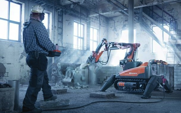 Husqvarnas DXR140 demolition robot in action. The robot shown here is controlle