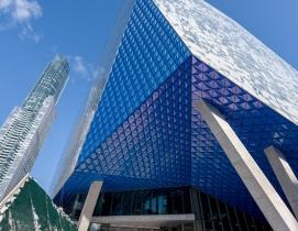 Ryerson University Student Learning Centre, Ontario, Canada ALPOLIC®/fr Custom Prismatic SEP Blue Finish.