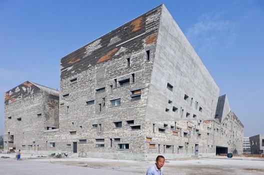Ningbo Historic Museum / Wang Shu, Amateur Architecture Studio  Iwan Baan