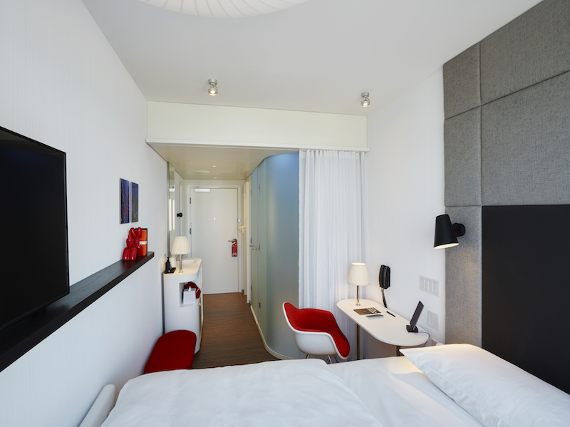 CitizenM hotel modular room
