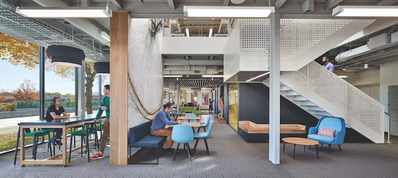 An interior collaboration space at the Pagiluca Harvard Life Lab