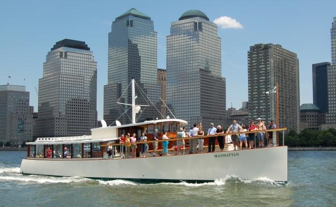Around Manhattan Boat Tour. Photo: courtesy SailNYC