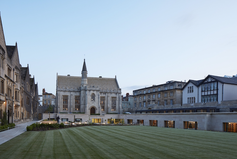 The plinth-like extension and renovated library building
