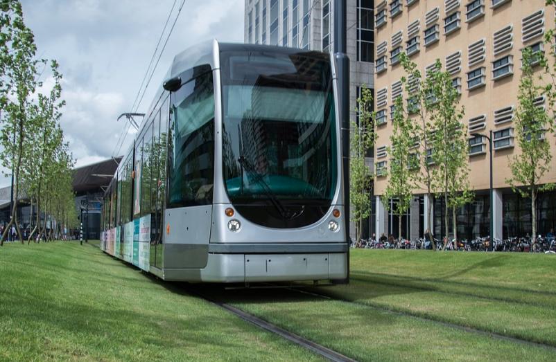 Transwestern report: Office buildings near transit earn 65% higher lease rates