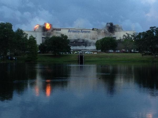 The implosion of Orlandos Amway Arena started with a quick series of small blas