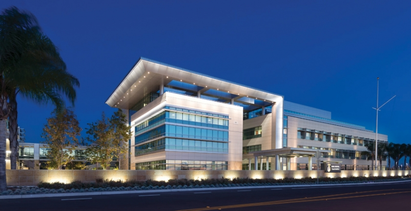 The Naval Hospital at Camp Pendleton replaces an outmoded hospital on the base.