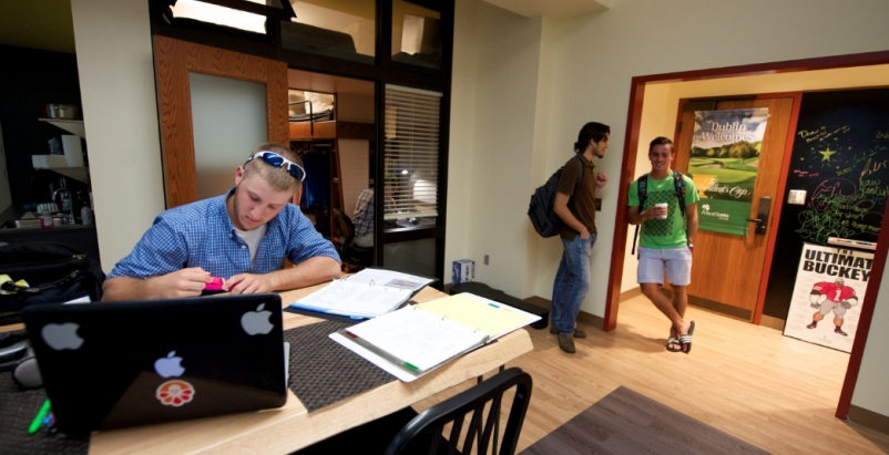 A student bedroom at the College of Wooster (Ohio) capitalizes on 12-foot-high c