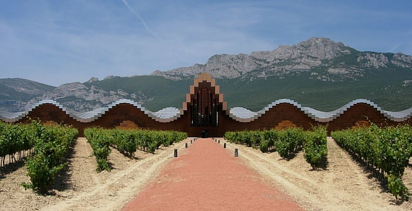 The Ysios winery, also designed by Calatrava, also has had design flaws that res
