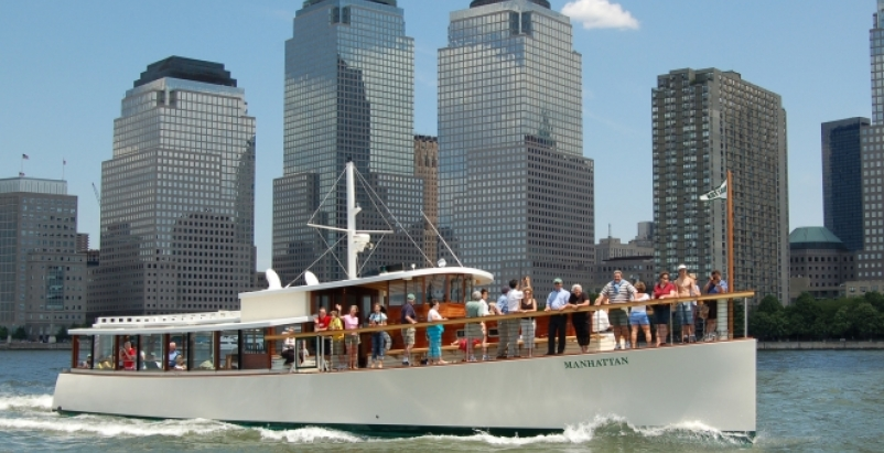 Around Manhattan Boat Tour. Photo: courtesy SailNYC