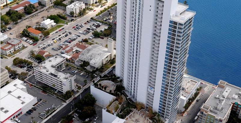 Paramount Bay in Miami. Courtesy Kobi Karp Architecture