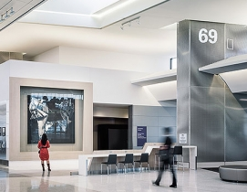 The 65,000-sf boarding area houses 10 gates for United Airlines. Photos courtesy