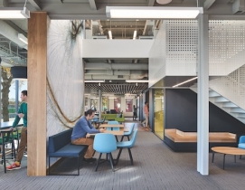 An interior collaboration space at the Pagiluca Harvard Life Lab