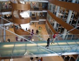 GlaxoSmithKline recently opened a 208,000-sf office in Philadelphias Navy Yard